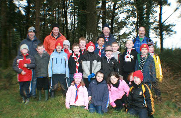 Members of the 3rd Macaoimh on a hike to Ballyscanlon Woods in February 2009